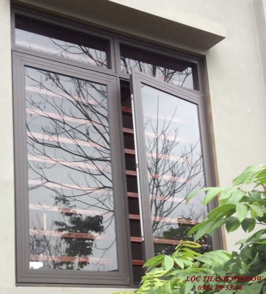Cửa sổ mở quay 2 cánh Hệ XingFa